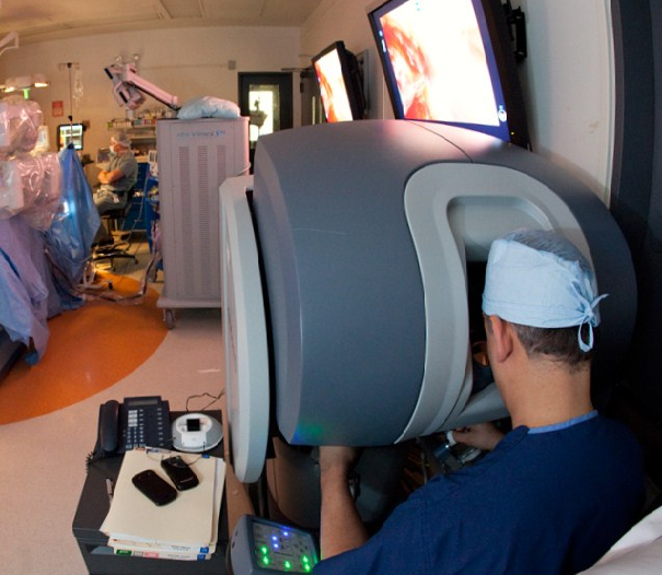 robotic surgery now being used for colon cancer