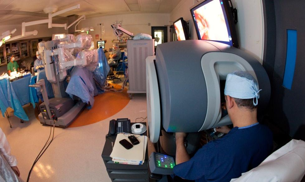 roboticsurgerydavincisurgicalsystem.jpg