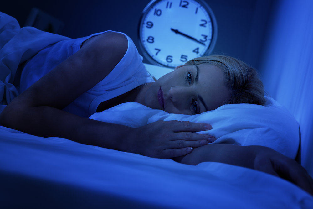 """Your immune system may be suffering if you are lacking sufficient shut-eye according to a new study.   Even though small, the study shows that people who fail to get adequate sleep suppresses their immune gene expression due to chronic sleep deprivation putting them at risk of increased illness.   Eleven pairs of adult twins were found through the Washington State Twin Registry with an average age of 43 and eighty percent of them were female.  The sleep patterns and routines of each set of twins were significantly different from one another.   For two weeks the twins sleep routines were tracked under """"natural real-world circumstances.""""  Seven hours of sleep a night was the average amount among the pairs of twins with one twin in each pair sleeping about 64 percent less each day than their sibling.  To assess the immune system's white blood cell count indicating its functionality, blood samples were analyzed.   Discovered from the blood samples was the twin who slept fewer hours appeared to have a weaker immune system due to a lowered white blood cell count.  This finding supports the recommendation that adults should aim for at least seven hours or more of sleep each night for optimal health.  Over the century, Americans have lost about 1.5 to 2 hours of nightly sleep according to the U.S. Centers for Disease Control and Prevention. Up to one-third of adults who are working obtain less than six hours of sleep each night.   This chronic lack of sleep puts people in peril of weakening the immune system which in turn makes them more vulnerable to sickness such as a rhinovirus making them more likely to catch a cold than someone who is getting adequate sleep.   Why is sufficient sleep necessary for a strong immune system? During sleep, our body regenerates itself and enhances the immune system pathway protein production. Sleep deprivation lowers the production of antibodies necessary to fight off infections.  Being chronically sleep deprived can also result in a greater"""