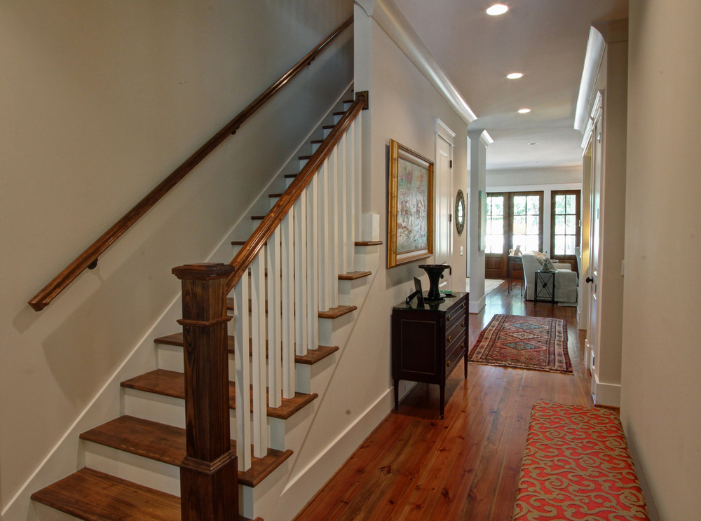 resized foyer 01.jpg