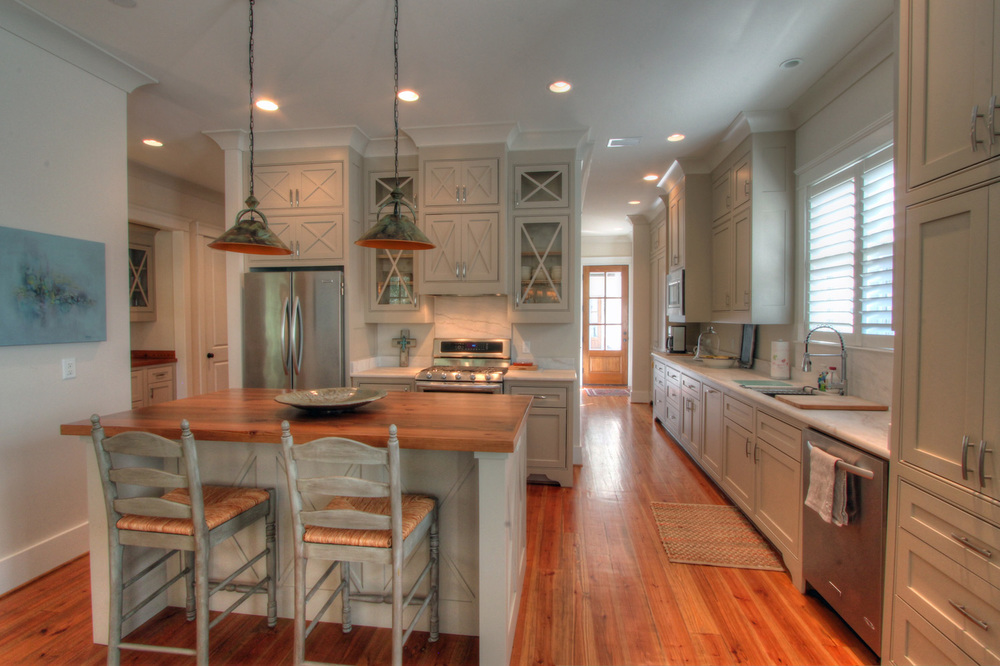 resized kitchen 02.jpg