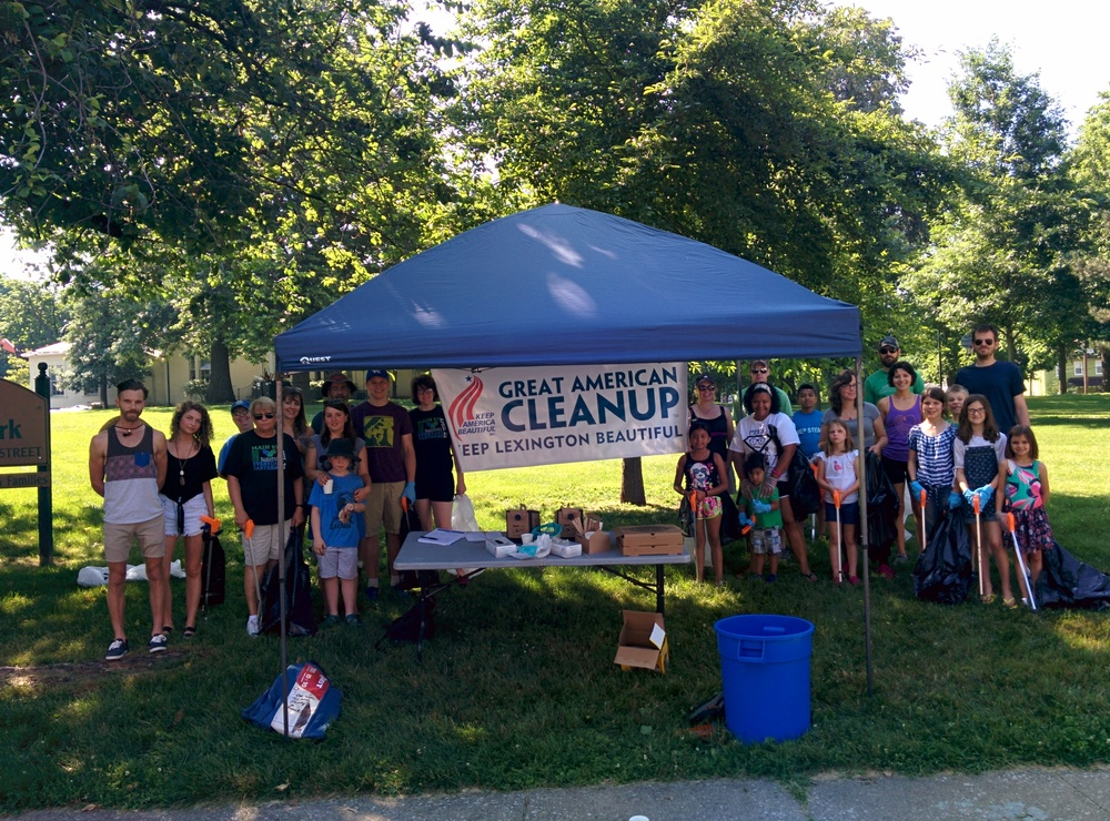 Group photo for the Duncan Park Trash Cleanup