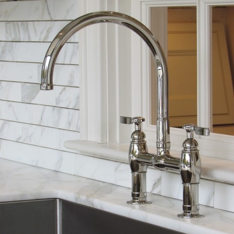 kitchenfaucet1.jpg