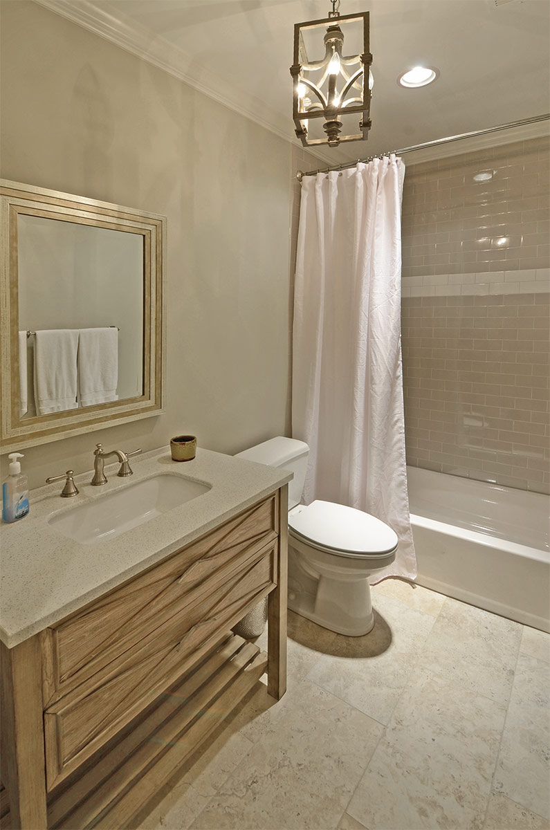 8052cavershamwood_bath.jpg