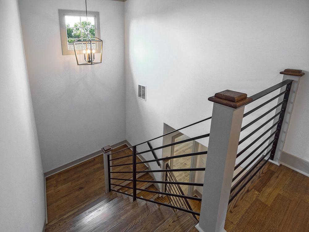 305angelwood_stairwell.jpg