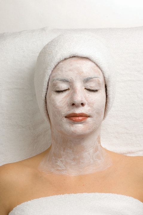 HYDROLIFTING - Recommended for all skin typesLIFTING AND FIRMINGA clinical treatment that includes four progressive steps that work in synergy to cleanse, hydrate, revitalize, and firm the skin.Perfect before a special event, wedding or public appearance.BenefitsImproves the appearance of lines and wrinklesMoisturizes and improves the skin's elasticity for a more radiant skinMoisturizes and rejuvenates the look of the skinDuration: 60 minutes