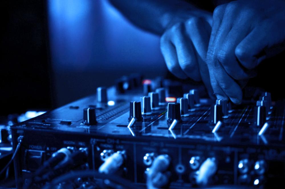 dj-mixing.jpg