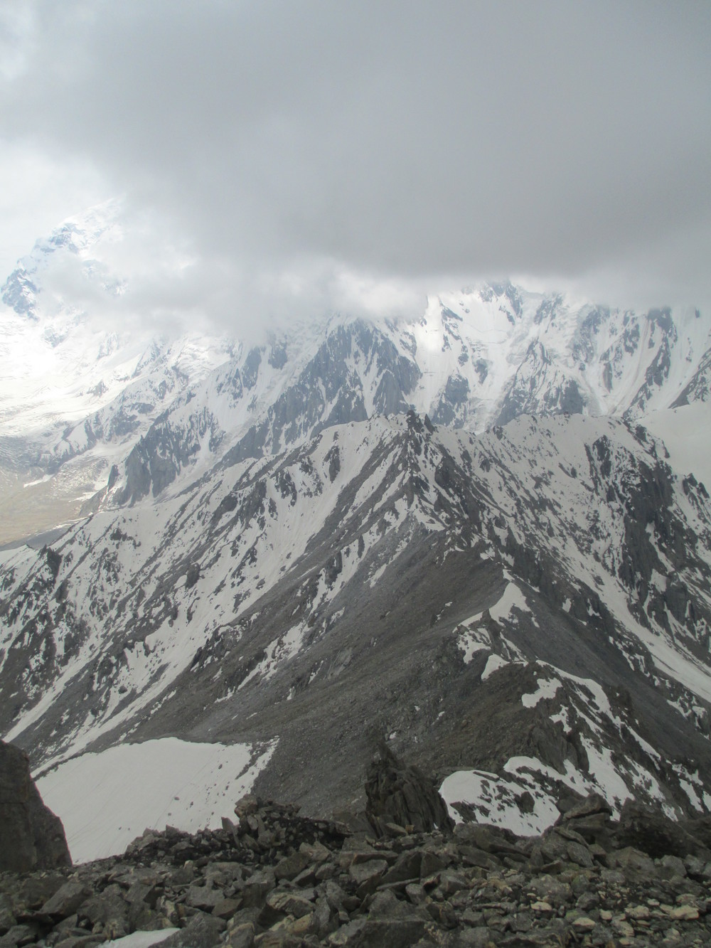 Jilliper pass below