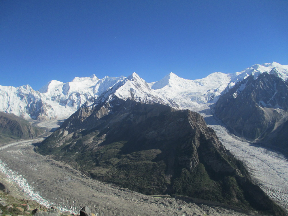 Looking across from Rush ridge to the confluence of the Mair and   Barpu   Glaciers with the Phu Pasrash range behind