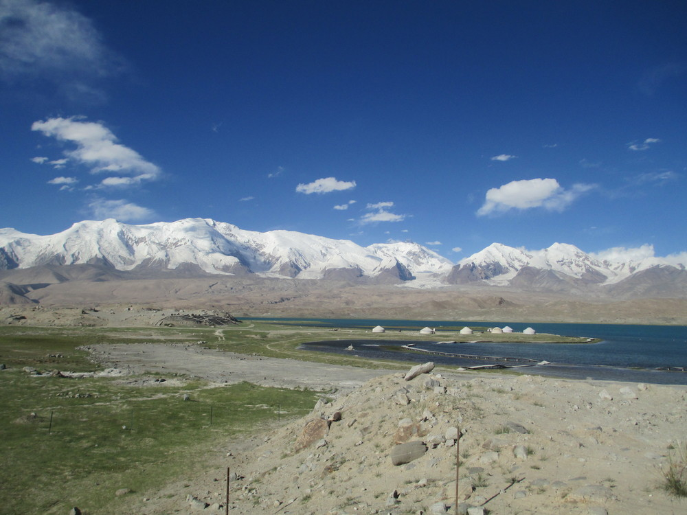 Krakul lake and Kongur Tagh