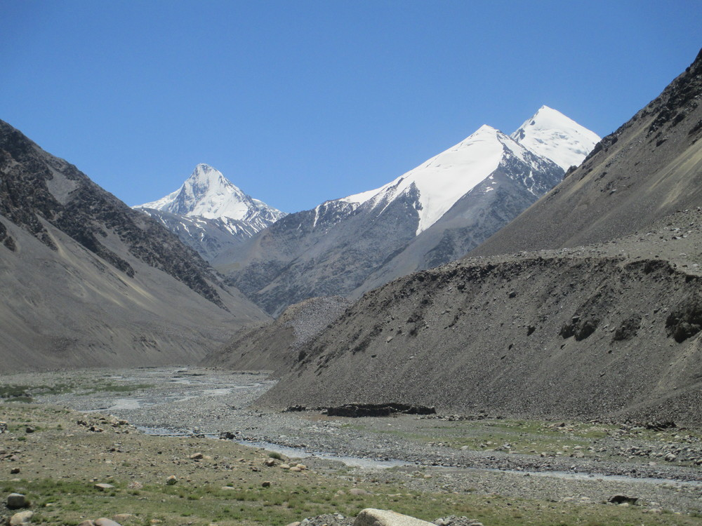 Scenery on way up to Kunjerabi pass