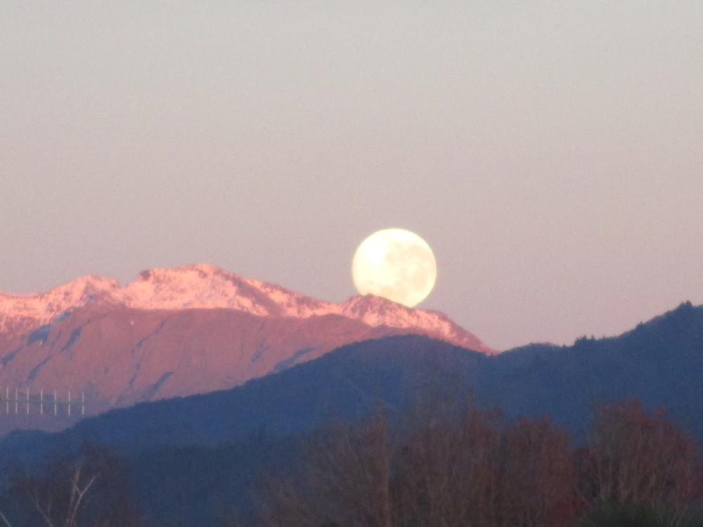 Full moon over Mt Arthur from my house in Motueka