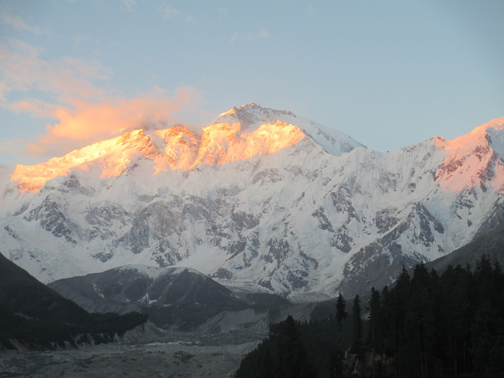 The Naked Mountain In the far west of the Himalayas , more than a thousand miles from Everest and Darjeeling,stands a mountain of danger and death. Its name is Nanga Prabat and over the years almost as many lives have been lost trying to scale it as all the other great mountains put together - Tenzing Norgay in 1953