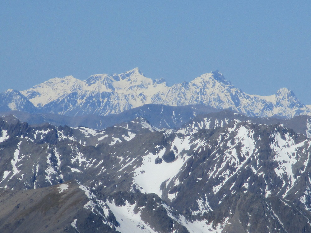 Tapuae-o-Uenuku 2899 m - Mount Alarm 2879 m and Mitre 2621m as seen from Mount Chittenden Oct 2015