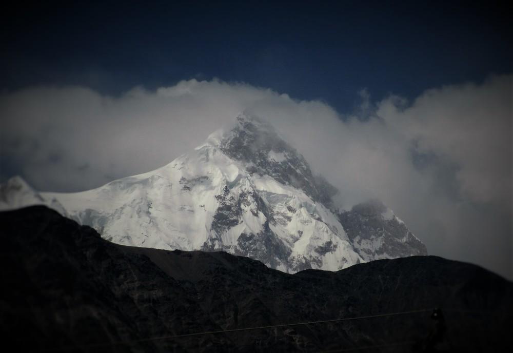 Shispar Sar 7611m from the Karakorum highway, a spectacular Pyramid.