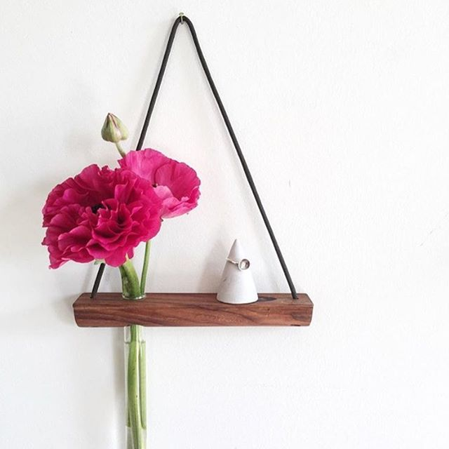 Gum mini shelves by @kirralee_and_co keeping her jewellery safe and beautifully on display on a @vesselvine ring cone! Love the flower too #handmade #madelocal #concretehomewares #timber #handcrafted #madeinbrisbane #etsy #etsyau #ringcone