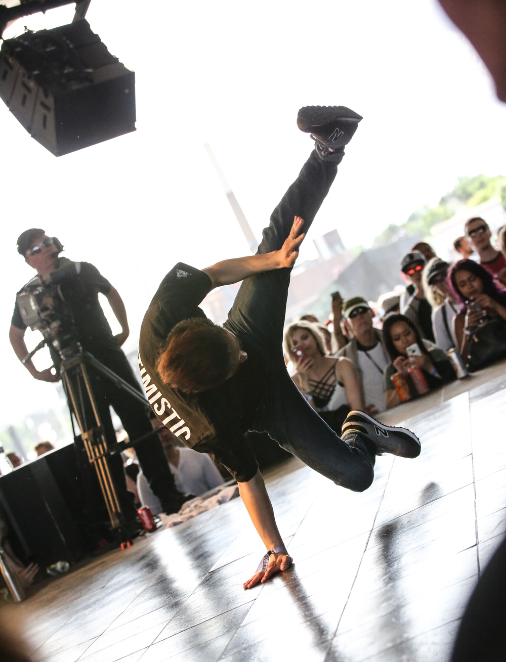 breakdancing-1.jpg