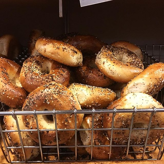 Wakey wakey rise & shine, get out of bed its breakfast time! Make your way downtown for some fresh bagels! #eeeeeats #happyvalley #pennstate #statecollege