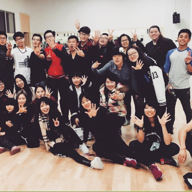 Purdue can dance! Students at hip-hop dance practice on campus. #purdueinchina