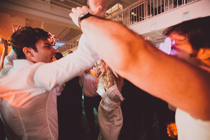 מלאני ודניאל חתונה בבית על הים לירון אראל צלם 0091