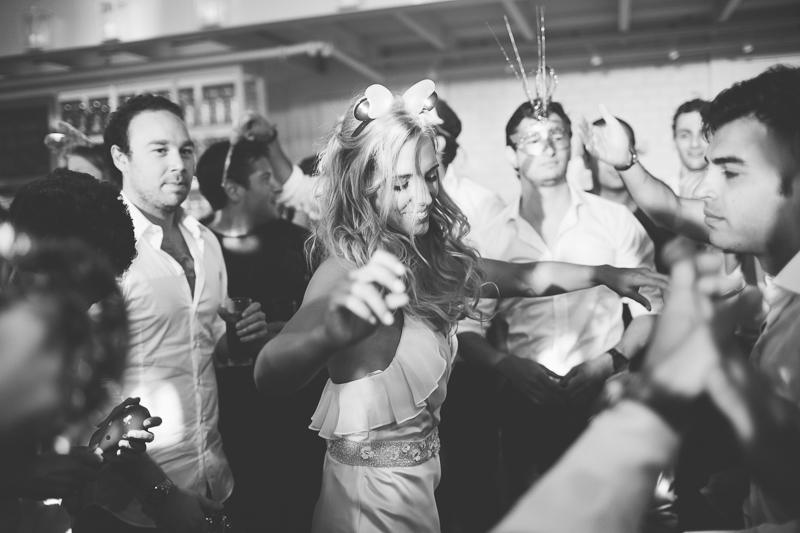 מלאני ודניאל חתונה בבית על הים לירון אראל צלם 0092