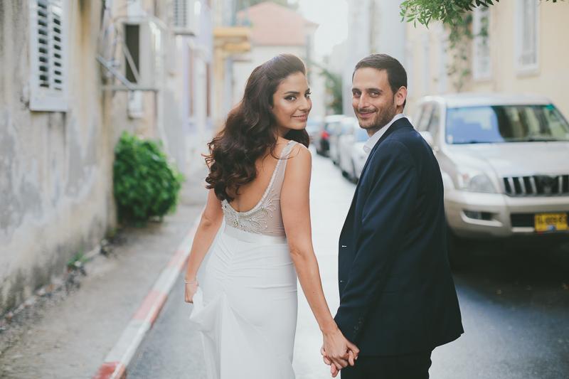 אלון לבנה שמלת כלה