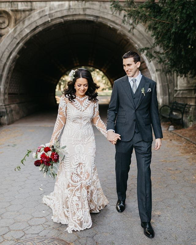 Introducing: The awesome Sarah & Eddie, who held their intimate & magical wedding in Brooklyn. Feel the love @natalieskymu @umodesalon @gemfleuriste @josephabboud @ruedeseinebridal @sarahbella_design