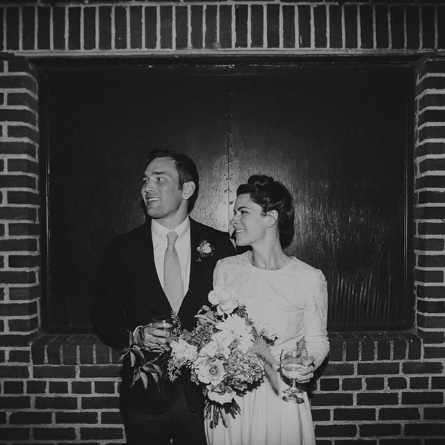 Brooklyn, with a touch of 50's style. The graceful Laura & Brian. @jessablades @thequeerinterior @theweddingartistscollective @saipuaweddings