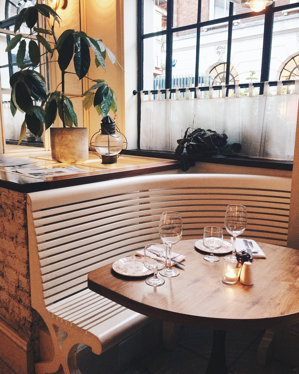 The favorite seat of solo diners at Blixen.
