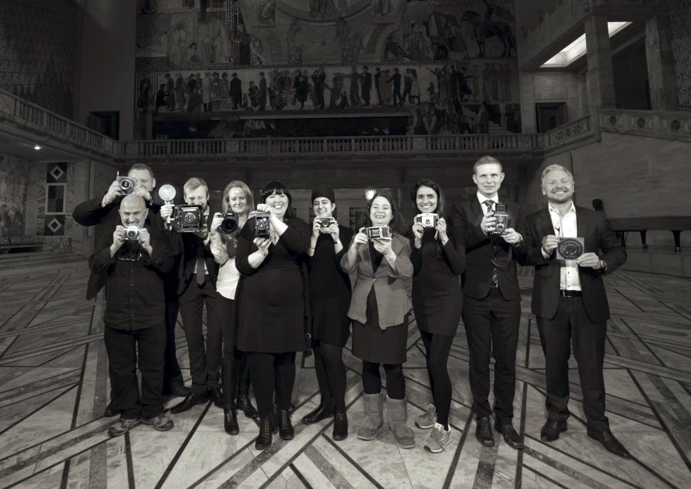 Kultur- og utdanningskomiteen fotografert i pausen dagen for dethistoriske vedtak.     ©CF-Wesenberg