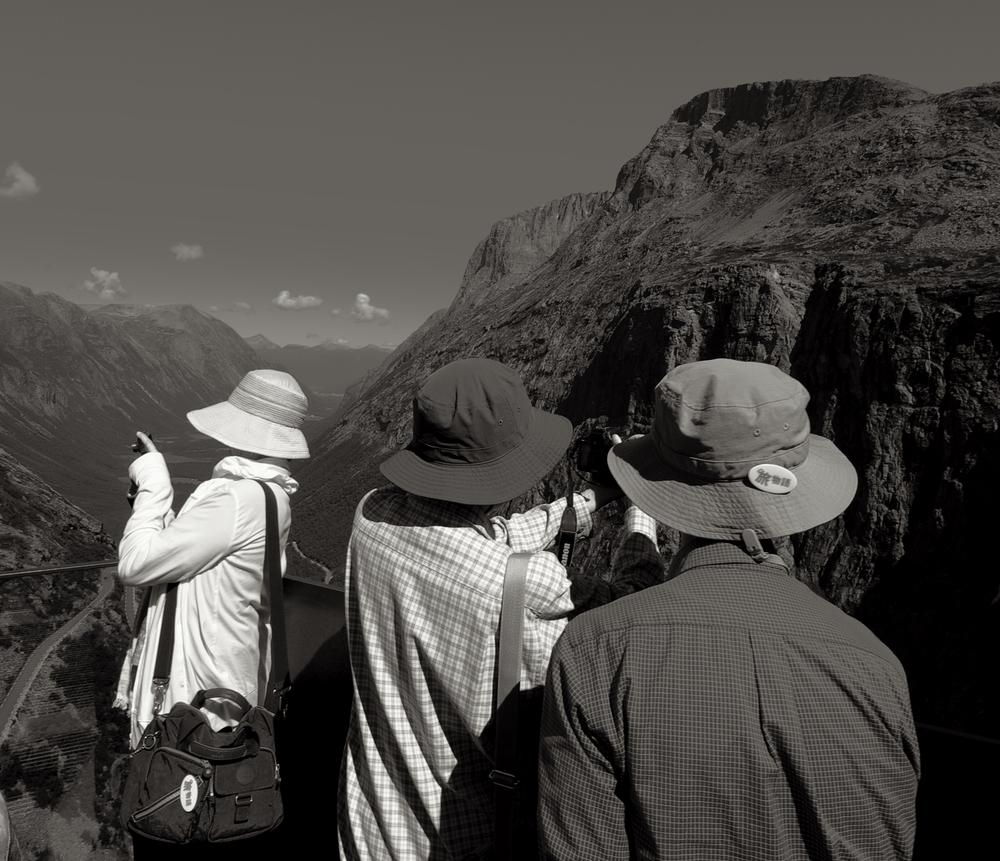 Utsikten nytes sjelden uten at den blir foreviget©CF-Wesenberg