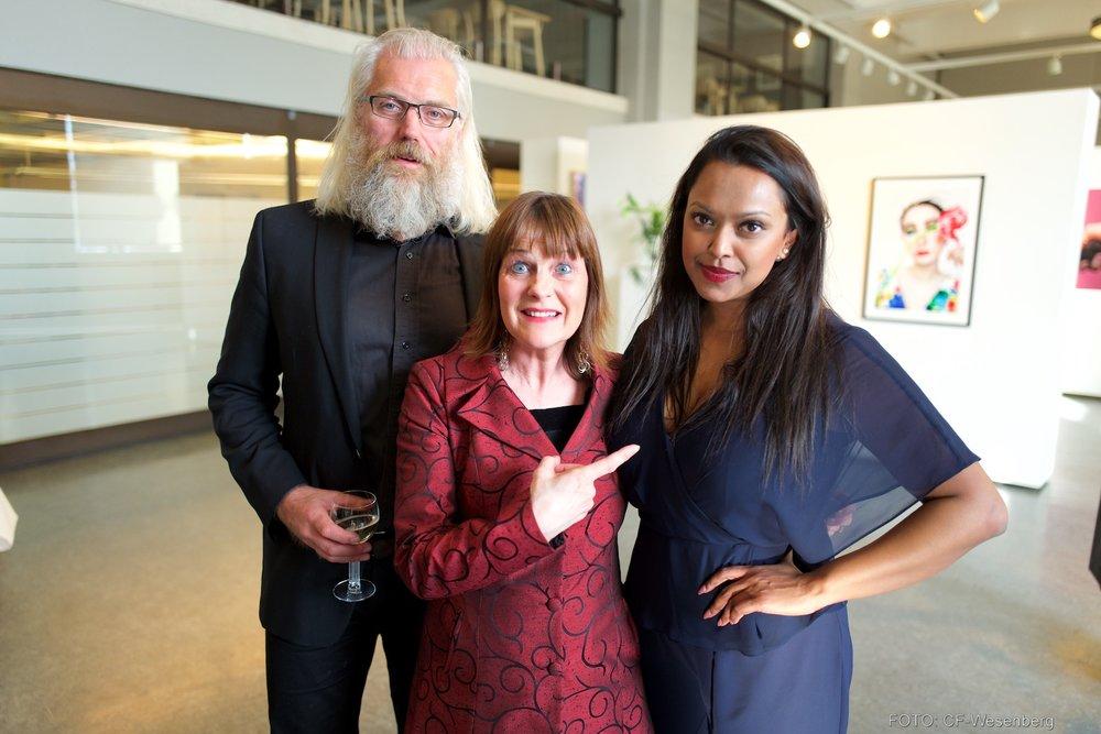 Styreleder i Fotografihuset med Prosjektleder Anne Lise Flavik og Kamzy