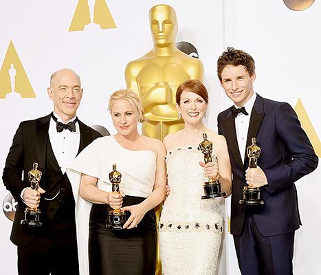 Os atores vencedores do Oscar 2015: da esq. p/ dir: Simmons, Arquette, Moore e Redmayne