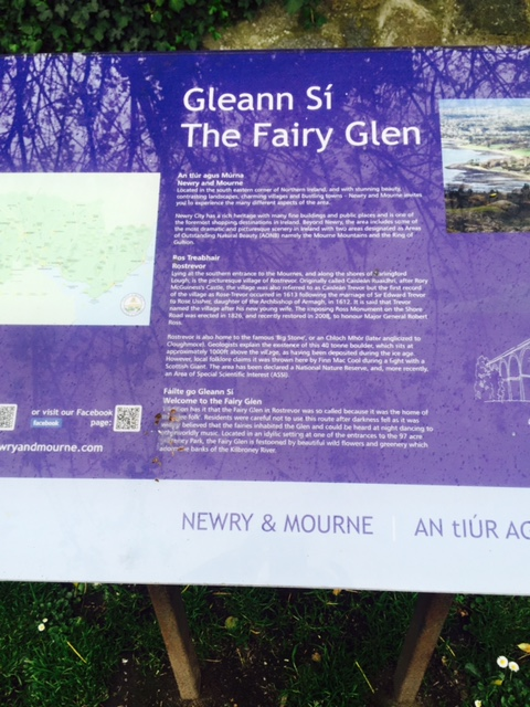 Eolas ar an Ghleann Sí. Info about the Fairy Glen.
