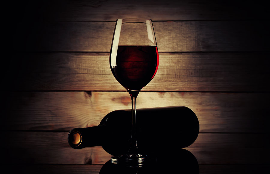 <p><strong>WINE</strong><a href=/wine>→</a></p>