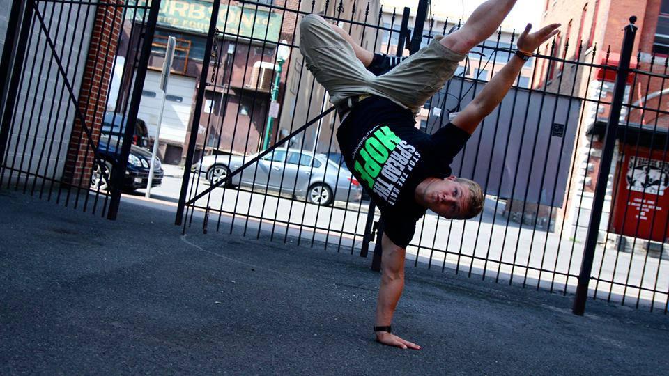 Tom Break Dance.jpg