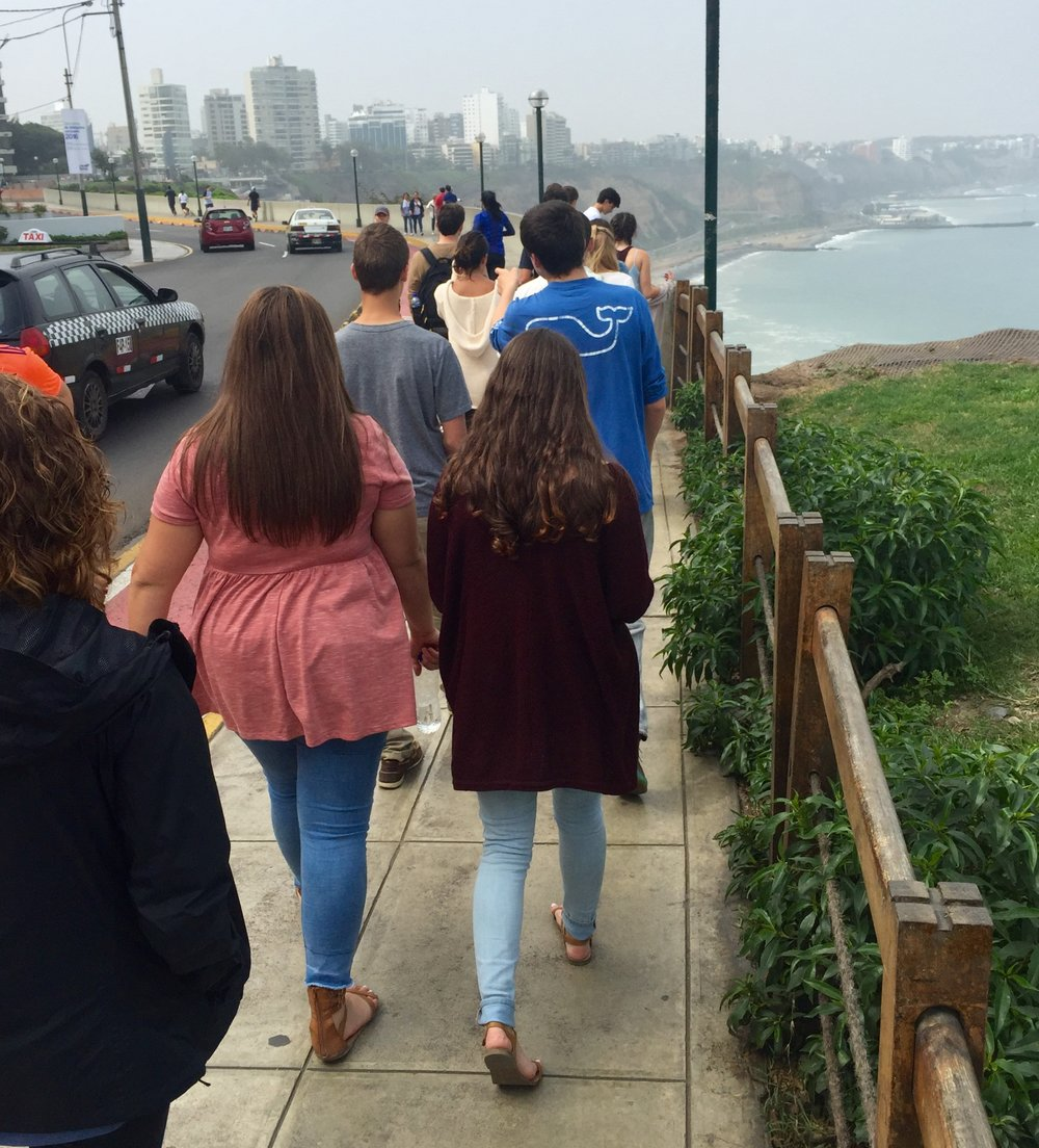 Taking a beautiful stroll on the Limeañan coast in Miraflores, one of the wealthiest districts of Lima and a sharp contrast to some of the surrounding areas.