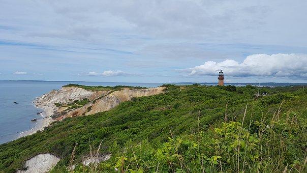 lighthouse-1972422__340.jpg