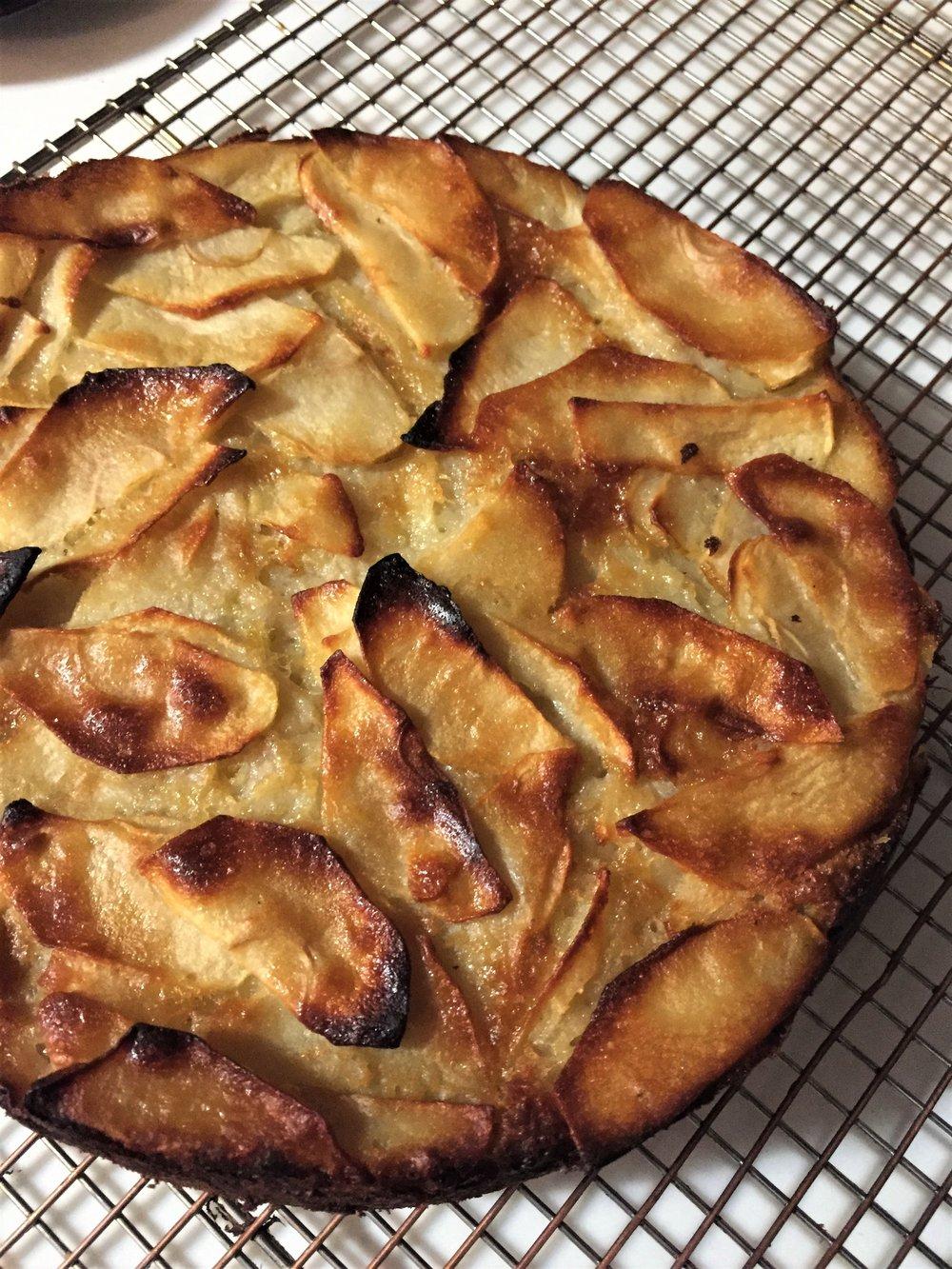 IMG_8241-rustic-apple-cake (2).JPG