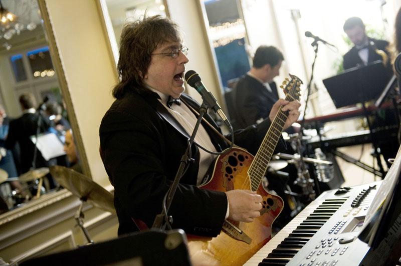 George singing