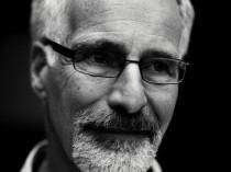 Ex-verslaafde en psycholoog Marc Lewis leert je wat verslaving is en waarom sommige mensen er gevoelig voor zijn dan anderen.