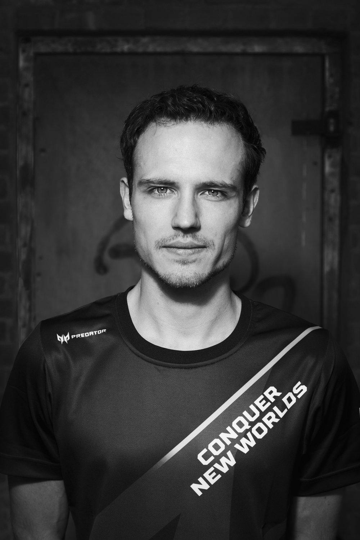 Nederlands' eerste eSports atleet met een topsportstatus vertelt over de positieve gevolgen van gamen.