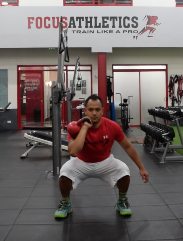 1 arm kettlebell front squat