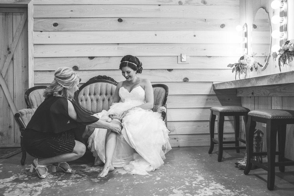 Barn-Wedding-Ates-Ranch-Wedding-Photo-Photography-Video-Videography-Pensacola-Florida-Courtney-Clint-15.jpg