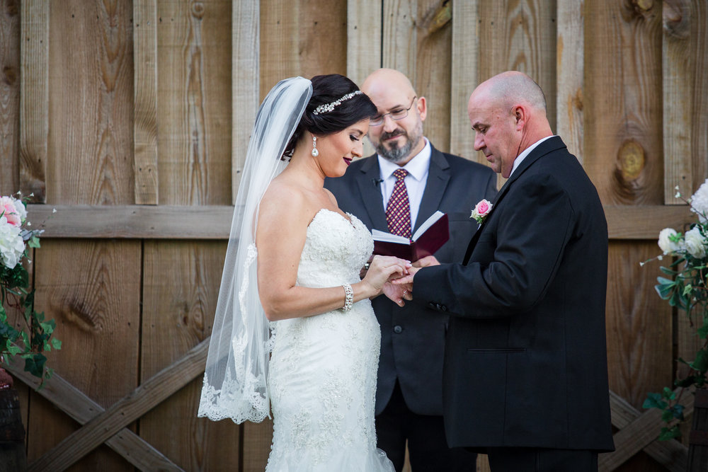 Barn-Wedding-Ates-Ranch-Wedding-Photo-Photography-Video-Videography-Pensacola-Florida-Courtney-Clint-32.jpg