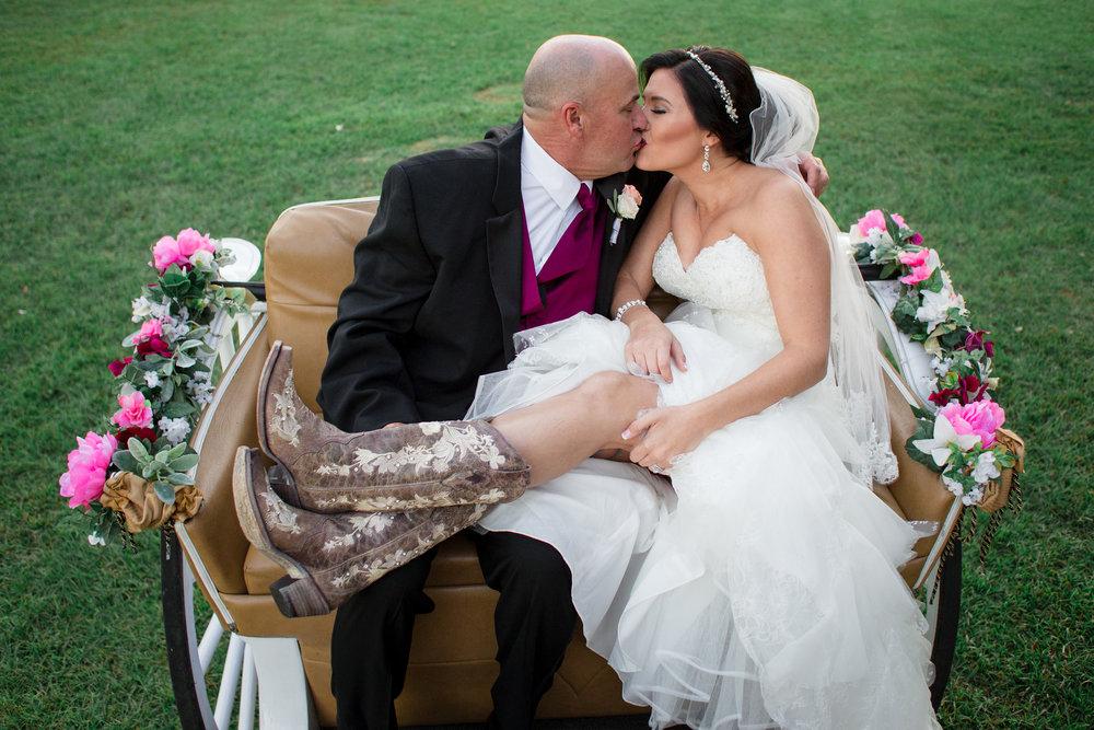 Barn-Wedding-Ates-Ranch-Wedding-Photo-Photography-Video-Videography-Pensacola-Florida-Courtney-Clint-49.jpg