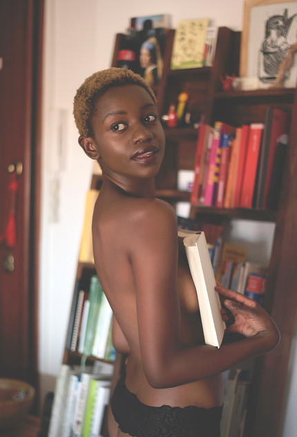 topless peekaboo book black model