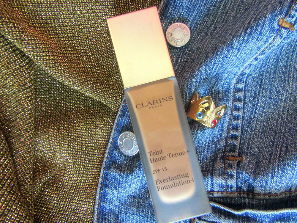 Clarins Everlasting Foundation Pecan Frame Ambition