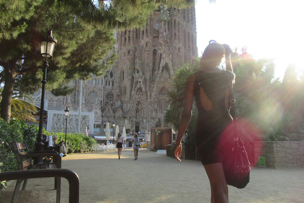 sagrada familia barcelona female travel hacks
