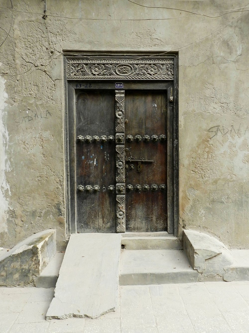 zanzibar_door_carved_with_ramp.jpg